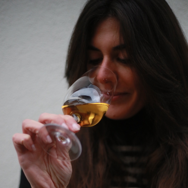 how to taste wine: suggestions by Silvia Pampaloni
